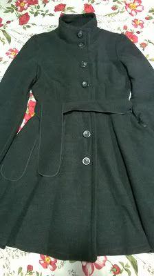 Umeri: 38 cm Bust: 75 cm Talie: 71 cm Sold: 94 cm cm Maneca: ex. Burberry, Dress Up, Costume, Coat, Jackets, Vintage, Fashion, Moda, Fashion Styles