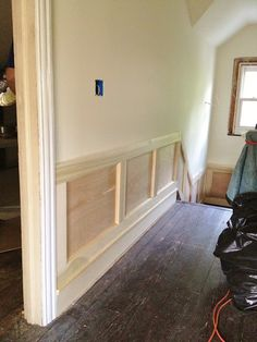 Wainscoting on the stairway - materials needed and installation tips - courtesy of High Street Market Wainscoting Kitchen, Diy Wainscotting, Wainscoting Ideas, Stairway Wainscoting, Wainscoting Panels, Black Wainscoting, Wainscoting Nursery, Painted Wainscoting, Baseboard Ideas
