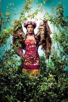 Lila Downs - Cantante y compositora mexicana que enaltece su cultura y llena de vida los escenarios donde se presenta, impresionante voz