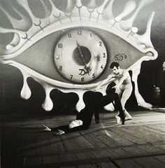Salvador Dali art modern dance