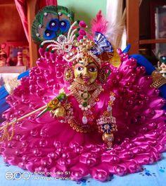 Bal Krishna, Cute Krishna, Shree Krishna, Radhe Krishna, Lord Krishna, Loreal Hair Color Chart, Laddu Gopal Dresses, Bal Gopal, Ladoo Gopal