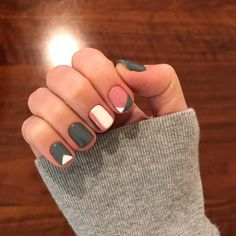 Cute Nail Art Designs For Short Nails 2019 29 Maquillaje y manicura Cute Nail Art Designs, Short Nail Designs, Nail Color Designs, Nail Designs For Summer, Short Gel Nails, Short Nails Art, Cute Short Nails, Manicure For Short Nails, Nail Design For Short Nails