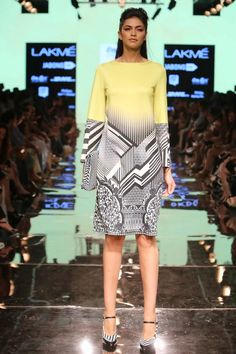 Lakmé Fashion Week – PANKAJ & NIDHI AT LFW SR 2015