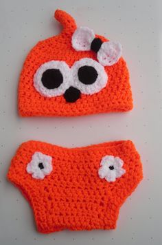 Zingy inspired hat and nappy cover set 0-3 months - great photo prop. via Etsy.