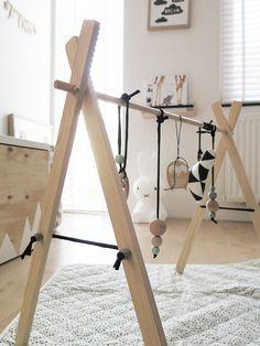 DIY: Wooden babygym - That Friday Feeling