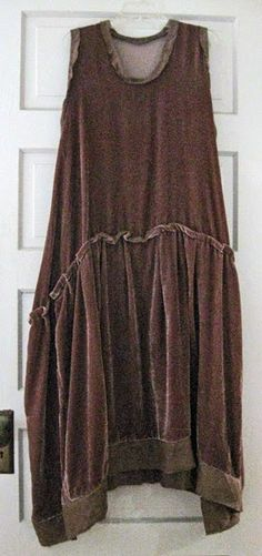 Project Minima: View the Clothes from WINTER.  Tina Givens Bethany Dress pattern, modified by pao.