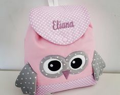Kids OWL backpack personalized quilted fabric, pink and gray facing dots with name embroidered in purple. cotton Dimension: x Machine wash at 30 ° Handmade. At checkout, tell me the name embroidery in a comment. Rose Mauve, School Bags For Kids, Custom Quilts, Cool Backpacks, Hair Bows, Nursery Decor, Creations, Etsy, Handmade Gifts