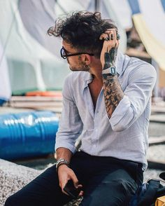 """billy-george: """"Fucking love this casual styling! Spotted at Pitti Uomo 90 Photo by Jonathan Pryce """""""