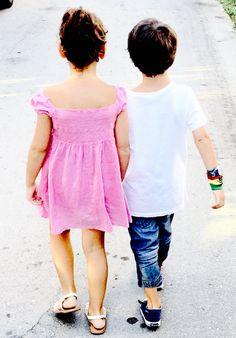 Project: παιδικό πάρτι Στόχος : Να περάσουν καλά μικροί-μεγάλοι Η Φαίη και ο Ερρίκος σήμερα έχουν τα γενεθλιά τους. Είναι για την οικογενειά μας η πιο όμορφη μέρα του χρόνου...Είναι η μέρα που άλλα...