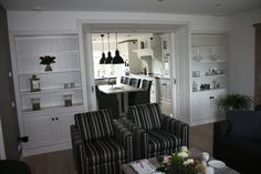 Inkijk kamer en suite keuken