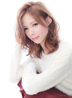 色気あるウェーブミディアム 【Gran mash】 http://beautynavi.woman.excite.co.jp/salon/26422?pint…