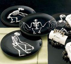 50 Ideas For Elegant Black And White Halloween Decor | DigsDigs