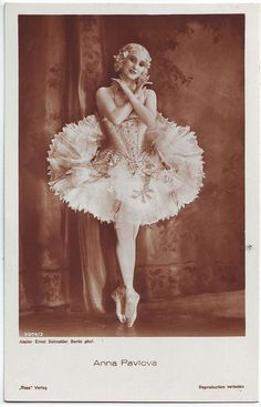 PAVLOVA, Anna_Ross; 3974-2. Photo Ernst Schneider by Performing Arts / Artes Escénicas, via Flickr