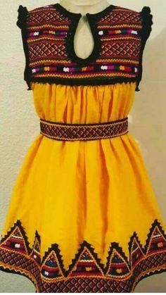 Navratri Dress, Girls Dresses Sewing, Afghan Dresses, Muslim Women, Latest Dress, Traditional Design, Traditional Dresses, Designer Dresses, Girl Fashion