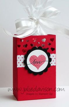 Stampin' Up! Hello Life Valentine Half Sheet Treat Box #stampinup www.juliedavison.com