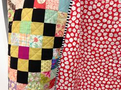 crazy mom quilts: finish it up Friday, 12/14/12  great quilting for my Scrap Vomit quilt