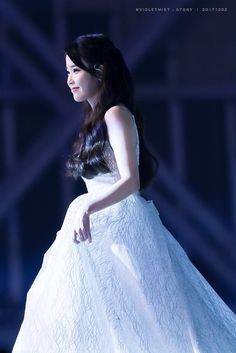 IU's sequinned ivory wedding dress from the Melon Music Awards in South Korea wedding dress. Sequin Wedding, Ivory Wedding, Wedding Gowns, Iu Moon Lovers, Music Awards 2017, Korean Celebrities, Korean Beauty, Kpop Girls, Ball Gowns