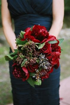 love this - kind of a deconstructed version of my bridesmaids' bouquets