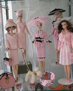 """My love for #BARBIES was sooo real back then. My siblings & I swore we were the only ones who knew how to truly play the game """"LIFE"""" nobody knew how real shit would get! Teen pregnancy, fights, suicide..lol we took it there. The barbie family looked so civilized but they was ratchet!! *Sigh* looking back, shit so funny now bahahaha!!! <3 #MEMORIES"""
