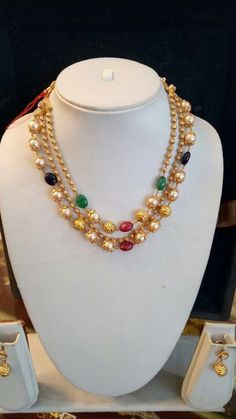Gold Jewelry For Cheap Info: 9848666075 Pearl Necklace Designs, Gold Earrings Designs, Gold Jewellery Design, Gold Designs, Noir Jewelry, Emerald Jewelry, Simple Necklace, Simple Jewelry, Bridal Jewelry