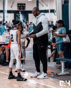 Kobe Bryant Family, Kobe Bryant Nba, Kobe Bryant Daughters, Kobe Bryant Quotes, Lakers Kobe, Kobe Lebron, Love And Basketball, Basketball Skills, Nba Basketball