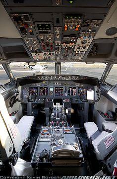737-900 cockpit