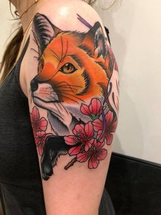 Image new fox by Luci Winter @ Top Notch Tattoos in North Wales in Fox tats album Body Art Tattoos, Fox Tattoos, Professional Tattoo, New Fox, Winter Tops, Cymru, North Wales, Ink, Tattoo Ideas