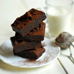 The best healthy and delicious brownies with no flour, no refined white sugar, no butter, and no eggs.