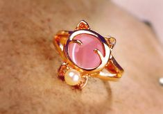Cat Eye and Imitation Pearl Fashion Ring
