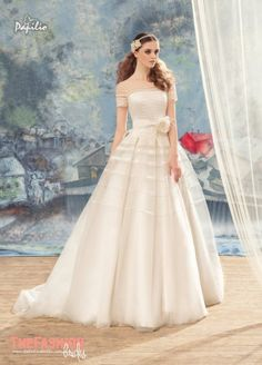 """The skirt of a bridal gown is a """"complicated"""" thing and the volume you want can be obtained in different ways. One of our favorites is by using the front pleats method that helps you ob…"""