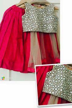 Junior Kids (Traditional Partywear) Kids Indian Wear, Kids Ethnic Wear, Frocks For Girls, Little Girl Dresses, Girls Dresses, Indian Dress Up, Kids Party Wear, Kids Lehenga, Kids Gown