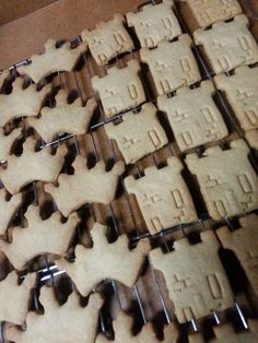 KINGDOM Cookies! we made these crowns and Watchtower cookies for the International Convention - June 6-8 in Detroit. Mich.