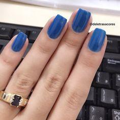 Azul lindo da Colorama.  #bluenails #nails #colorama #esmalteazul #esmalte #deletrasacores #minhascores #colecao #amoesmaltes #viciadaemvidrinhos #unhabonita #nails