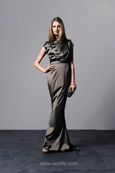 Grey Silk Gown, HK$16,300地址﹕中環IFC Mall 2樓2066號店電話﹕2234 7117>> 按此瀏覽相關文章