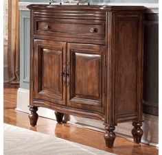 Hooker Furniture Arbor Hill Hall Chest