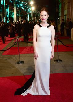 Top 10 Best Red Carpet Looks From BAFTA Film Awards 2016
