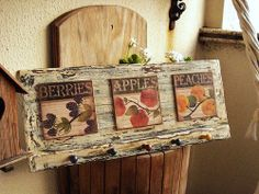 Cabideiro Harvest Wooden Projects, Diy Craft Projects, Wood Crafts, Diy And Crafts, Tole Painting, Painting On Wood, Arte Pallet, Napkin Decoupage, Country Paintings