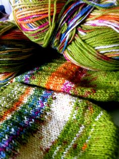 Step by step on how to knit toe-up socks!