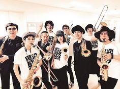 昨日はPUFFY20周年ライブ「PAPAPAPA PARTY」にホーンズ3が出演。目黒パフィパラダイスオーケストラにご本人登場的な感じで『ブギウギNo.5』を演奏しました。PUFFYのお二人、20周年おめでとうございます〜! #ホーンズ振り付け頑張った #リハから本番までずっと振りの練習 #楽屋で汗だく #puffy #スカパラ #tokyoskaparadiseorchestra