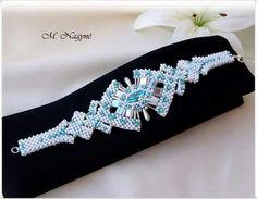 Bracelet avec cube. Beaded Jewelry Designs, Seed Bead Jewelry, Handmade Jewelry, Beaded Braclets, Jewelry Bracelets, Beaded Necklace, Seed Bead Patterns, How To Make Beads, Bead Art