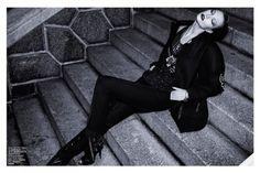 Karlie Kloss in Vitor Zirbinato photographed by Henrique Gendre for Vogue Brazil, July 2014.