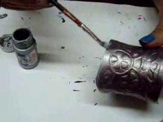 DIY: Bracelet from plastic bottle