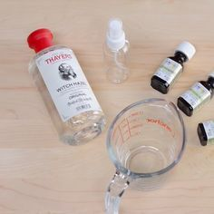 How to Make a Bug Spray for You and Your Family (Using Natural Ingredients) Making your own homemade bug spray is so easy to do, and you can skip the chemicals. This bug spray is safe for kids to use and is less likely to irritate skin. Essential Oil Bug Spray, Essential Oil Uses, Doterra Essential Oils, Mosquito Repellent Essential Oils, Diy Mosquito Repellent, Citronella Essential Oil, Natural Mosquito Repellant, Insect Repellent, Gnat Repellant