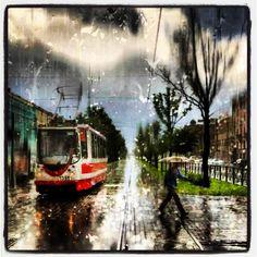 Tranvía con lluvia