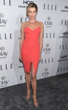 Rebecca Romijn Form-Fitting Dress - Rebecca Romijn cut a shapely figure in a fitted coral dress with illusion shoulder straps during the Elle Women in Television dinner. Rebeca Romijn, Hollywood Party, Olivia Wilde, Coral Dress, Red Carpet Dresses, Red Carpet Fashion, Strapless Dress Formal, Nice Dresses, Celebrity Style