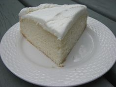 White Almond Wedding Cake  Ingredients: 1  pkg white cake mix, 1 cup all-purpose flour, 1 cup white sugar, 3/4 teaspoon salt, 1 1/3 cups water, 1 cup sour cream, 2 tablespoons vegetable oil, 1 teaspoon almond extract, 1 teaspoon vanilla extract, 4 egg whites