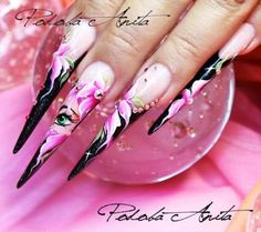 Anita Podoba - Master Internazionale - ARTISTS IN THE WORLD OF NAILS