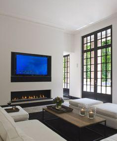 30 Ways To Decorate The TV wall - ekstrax Modern Fireplace, Fireplace Design, Fireplace Windows, Linear Fireplace, Fireplace Wall, Home Living Room, Living Room Decor, Living Spaces, Muebles Living