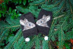 Ravelry: the woodsy association pattern by tiny owl knits Knit Mittens, Knitted Gloves, Fingerless Gloves, Fair Isles, Knitting Yarn, Knitting Patterns, Knitting Charts, Knitting Ideas, Rap