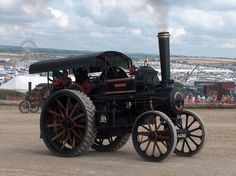 Steam Traction Engines  http://www.oldironlinks.net/events/1005/photo-album-7/